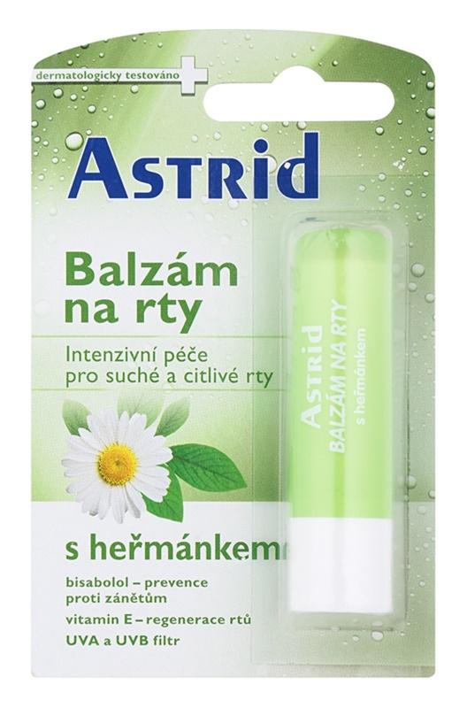 Astrid Lip Care balzam s kamilico za suhe in občutljive ustnice z regeneracijskim učinkom