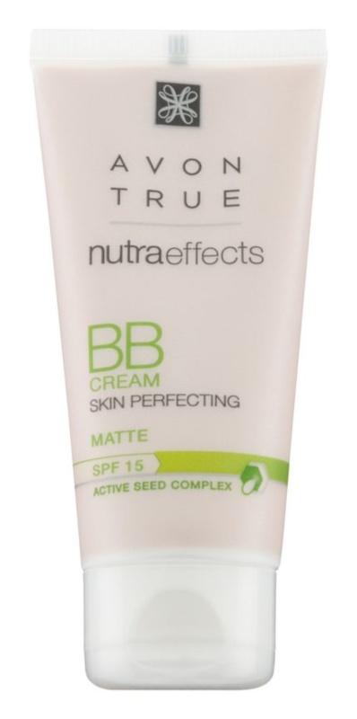 Avon True NutraEffects mattierende BB Creme LSF 15