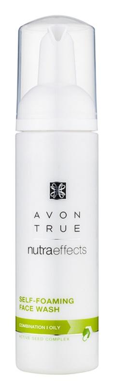 Avon True NutraEffects čisticí pěna pro mastnou a smíšenou pleť