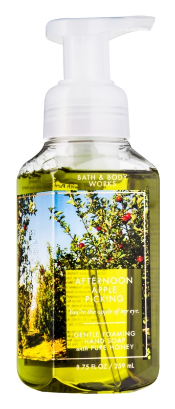 Bath & Body Works Afternoon Apple Picking hab szappan kézre