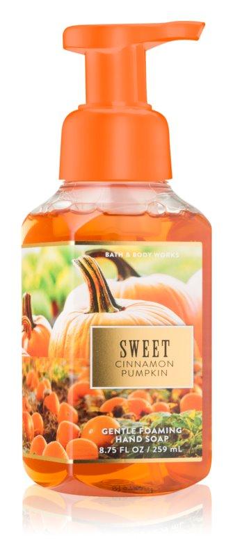 Bath & Body Works Sweet Cinnamon Pumpkin pěnové mýdlo na ruce
