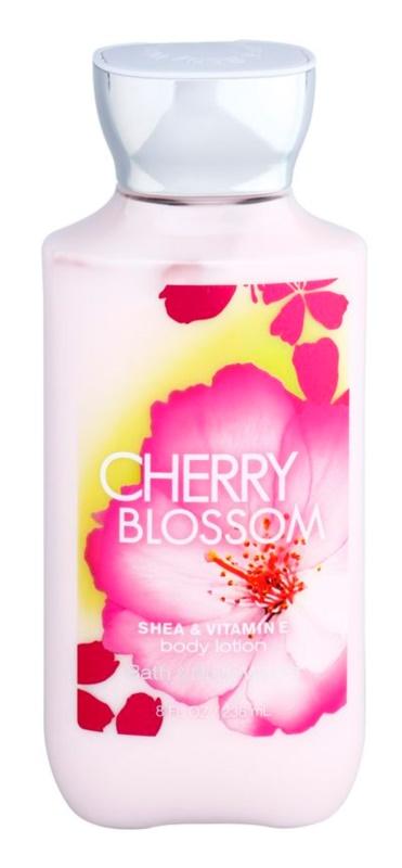 Bath & Body Works Cherry Blossom tělové mléko pro ženy 236 ml