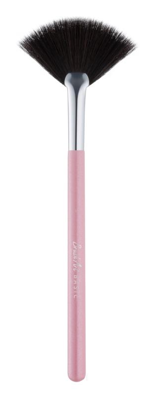 BrushArt Basic Pink perie pentru indepartarea excesului de pudra si fard de ochi