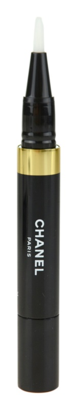 Chanel Éclat Lumière Illuminating Concealer In Application Pen