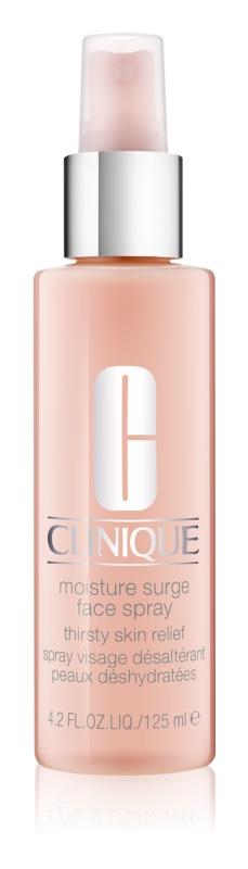 Clinique Moisture Surge spray arcra hidratáló hatással