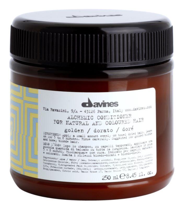 Davines Alchemic Golden balsam hidratant pentru a evidentia culoarea parului