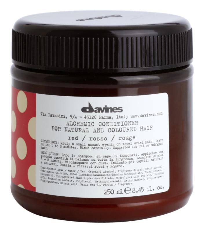 Davines Alchemic Red balsam hidratant pentru a evidentia culoarea parului