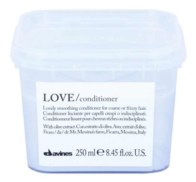 Davines Love Olive Gladmakende Conditioner  voor Onhandelbaar en Pluizig Haar