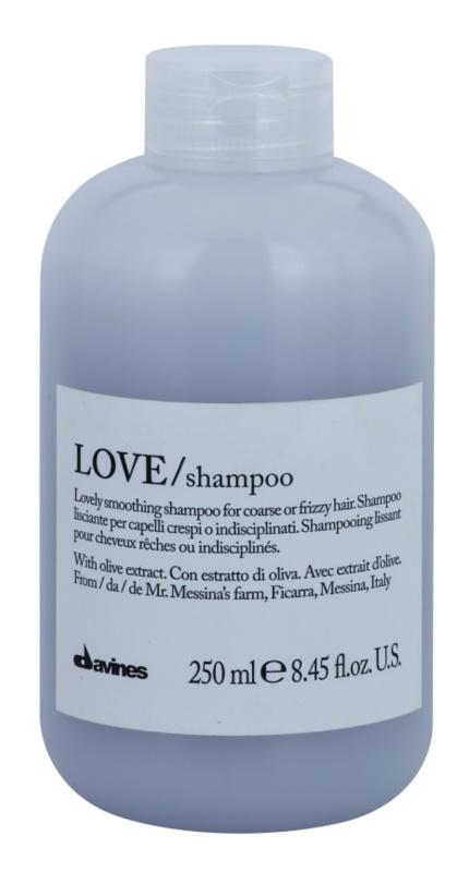 Davines Love Olive uhladzujúci šampón pre nepoddajné a krepovité vlasy