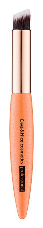 Diva & Nice Cosmetics Professional pensula pentru aplicarea fardului de pleoape