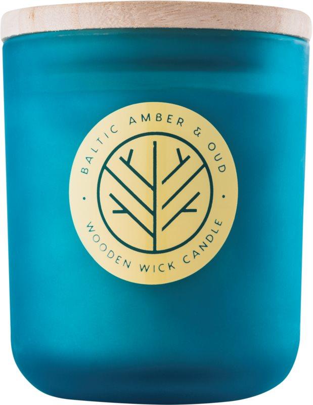 DW Home Baltic Amber & Oud dišeča sveča  320,35 g z lesenim stenjem