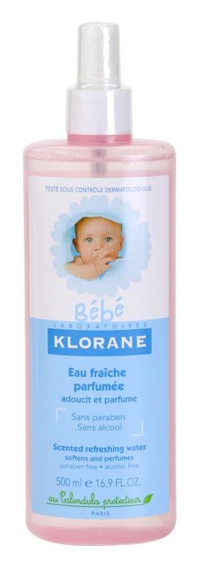 Klorane Bébé osvežujoča voda v pršilu za otroke