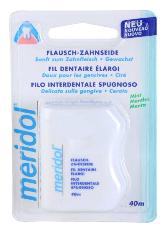 Meridol Dental Care voskovaná dentální nit s mátovou příchutí