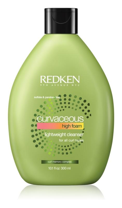 Redken Curvaceous krémový šampon pro vlnité a trvalené vlasy