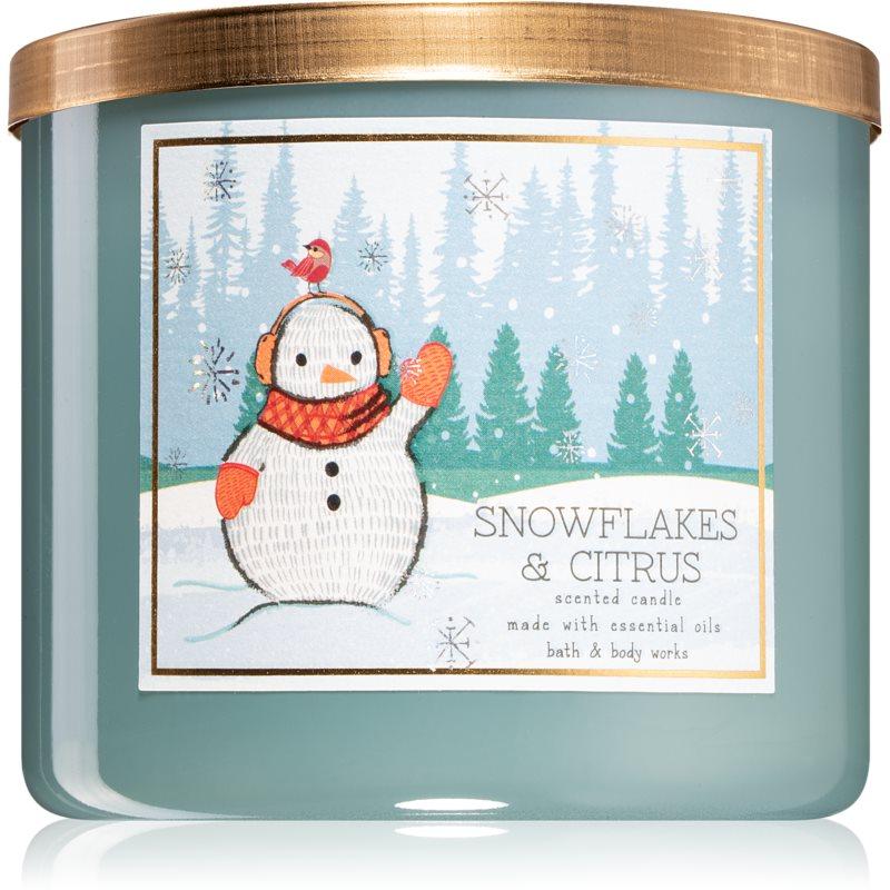Bath & Body Works Snowflakes & Citrus vonná svíčka 411 g