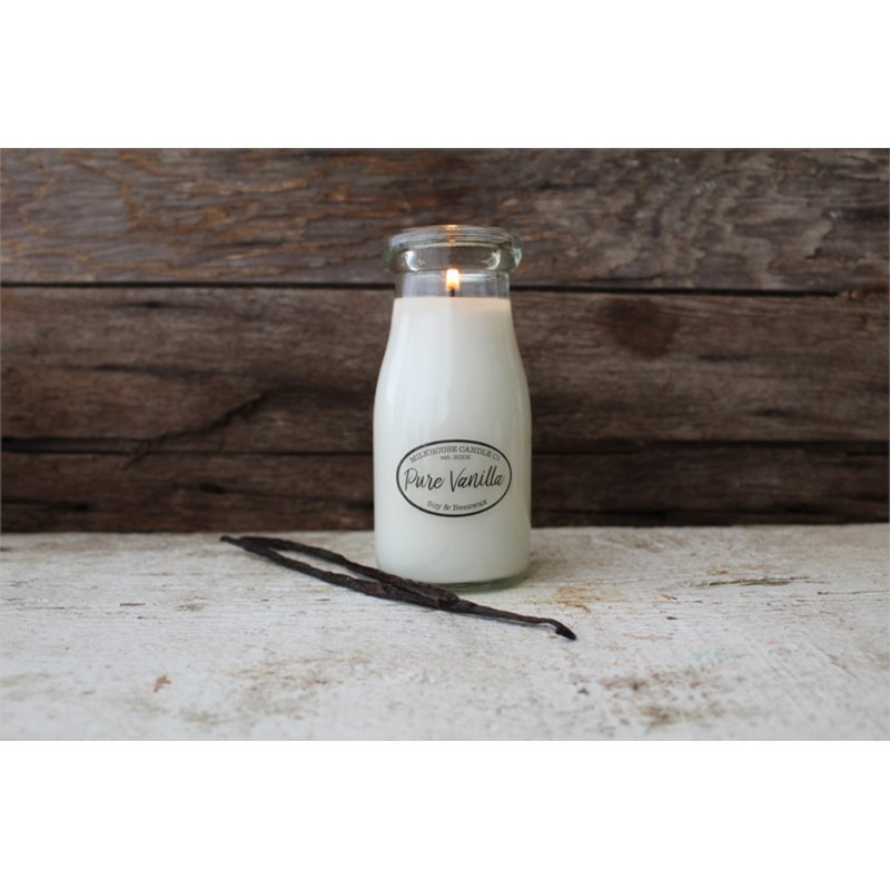 Milkhouse Candle Co. Creamery Pure Vanilla illatos gyertya Milkbottle 226 g