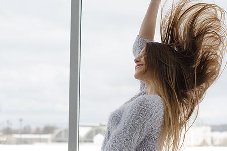 tipy pro přirozený růst vlasů
