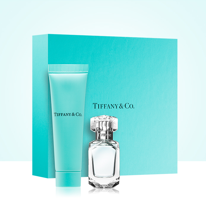 FREE delivery and a gift with Tiffany & Co.