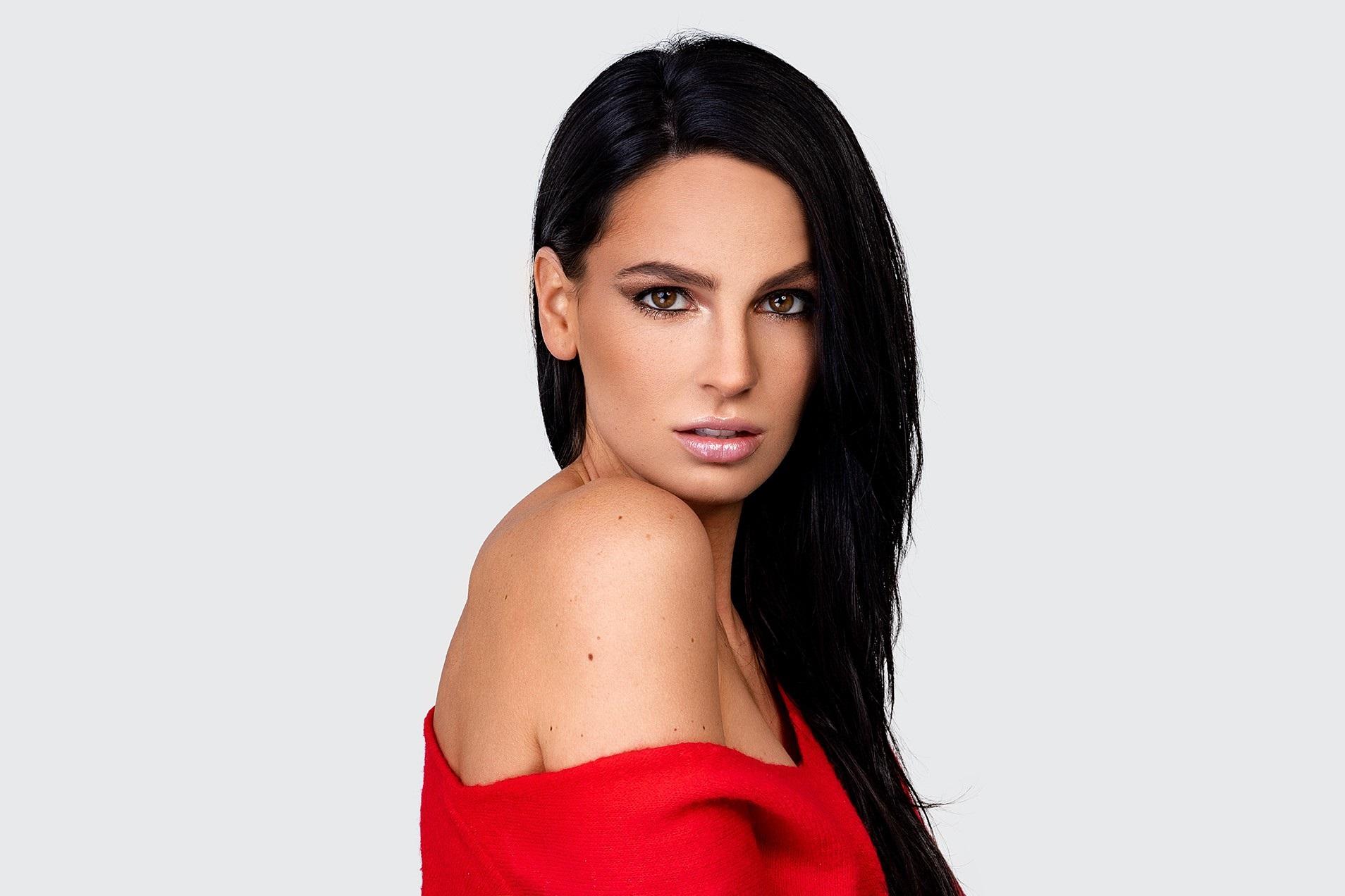 Make-up tutoriál: Blýskněte se stylovým glitter lookem