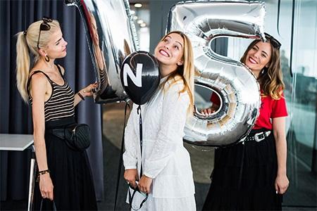 Jak stylově oslavit 15. narozeniny? Takhle to vypadá, když slaví Notino se svými blogerkami