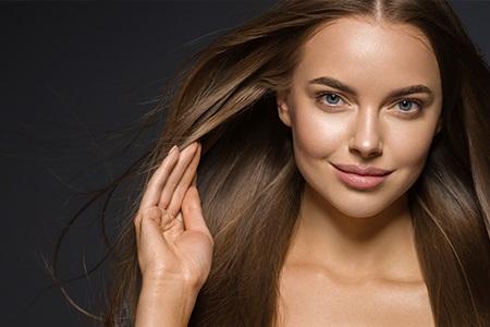 Elektrizující vlasy: 9 tipů, jak na ně