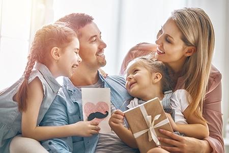 Den otců: Dárky pro tátu nemusí být jen ponožky