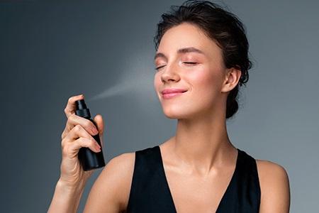 Recenze: Nejlepší fixační spreje na make-up