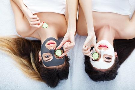 Nejlepší pleťové masky: domácí relax pro vaši pleť