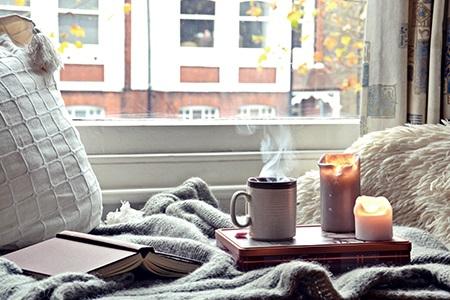 Omamné podzimní svíčky a bytové vůně: Dokonalá atmosféra zaručena!