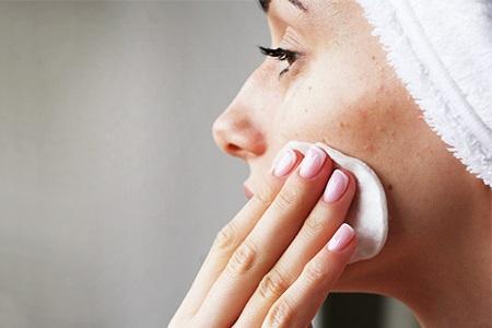 Unreiner Haut professionell zu Leibe rücken mit Notino-Produkten