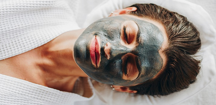 masque noir visage