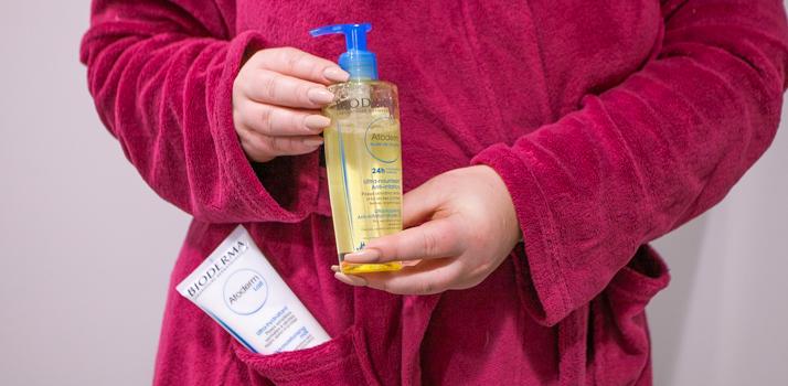 upokojujúci sprchový olej pre suchú a podráždenú pokožku Bioderma Atoderm