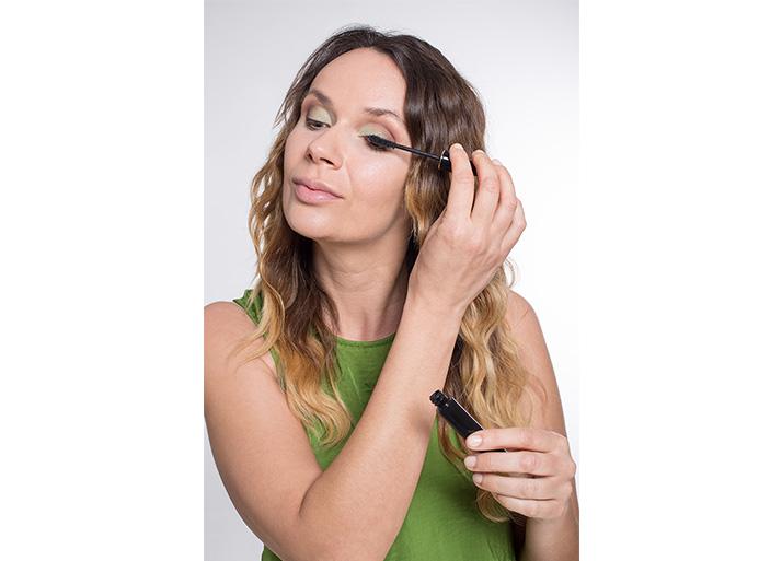 Maquillage vert cils