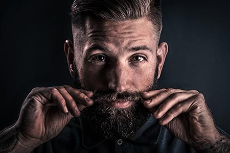 Movember I.: Uczymy mężczyzn, jak dbać o zarost (i zdrowie)