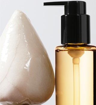 Shu Uemura Produkte mit Reinigungsölen
