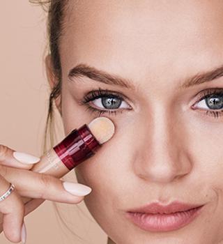 Maybelline make-up a korektory