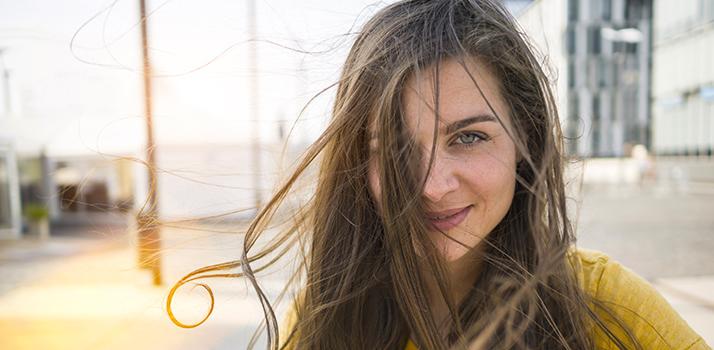 vlasy znicene sluncem top
