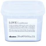 Davines Love Olive uhladzujúci kondicionér pre nepoddajné a krepovité vlasy