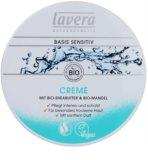 Lavera Basis Sensitiv dnevna hranilna in vlažilna krema za suho kožo