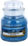 Yankee Candle Turquoise Sky dišeča sveča  104 g Classic majhna
