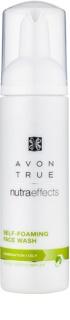 Avon True Nutra Effects čistiaca pena  pre zmiešanú a mastnú pleť