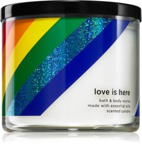 Bath & Body Works Love is Here vela perfumada