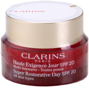 Clarins Super Restorative creme diário antirrugas com efeito liftting para todos os tipos de pele SPF 20