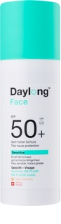 Daylong Sensitive Bräunungs-Fluid zum Tönen SPF 50+