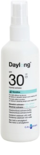 Daylong Sensitive Gel de de protectie Spray-On pentru ten gras sensibil SPF 30