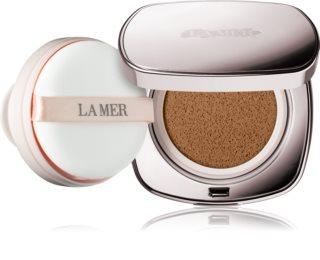 La Mer Skincolor posvjetljujući tekući puder  u spužvici SPF 20