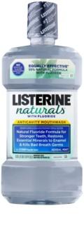 Listerine Naturals Herbal Mint antyseptyczny płyn do płukania jamy ustnej z fluorem