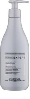 L'Oréal Professionnel Série Expert Silver srebrni šampon nevtralizira rumene odtenke