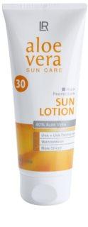 LR Sun Care mleczko do opalania do twarzy i ciała SPF 30
