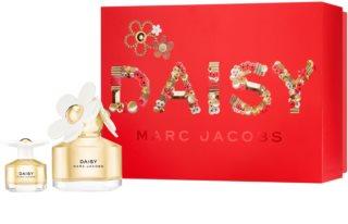 Marc Jacobs Daisy ajándékszett XVII. hölgyeknek
